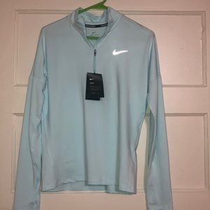 Nike running pull over size small